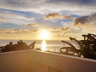 Sunset Stay: Live Like A Local - Near 3 Beaches - 2 bedroom apartment