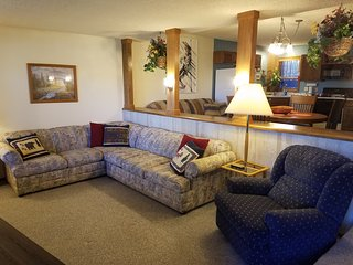 Wonderful Ski-in/Ski-out Condo in Granby Ranch-The Mountainside-3 Bedrooms!
