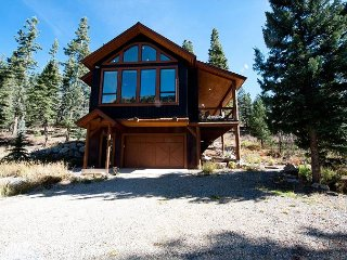 Luxury Mountain Home - Fire Pit, Large Deck - 1 Mile to Purgatory