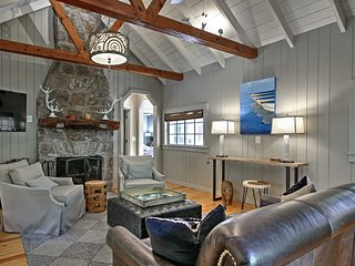 2BR Highlands Luxury Cabin w/Stone Firepit In Town