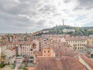 W169 - Warm apartment for 8 persons in Lyon