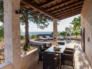Renovated Trullo Badessa with private pool, spectacular view and ideal position