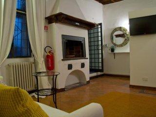 Campo de' Fiori apartment in Centro Storico with WiFi & airconditioning.