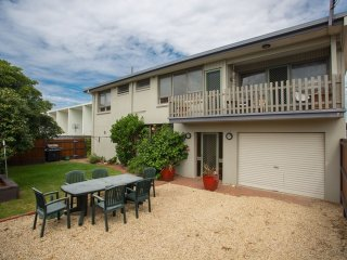 Banksia Seven Marine Parade - Pet friendly on Fishpen