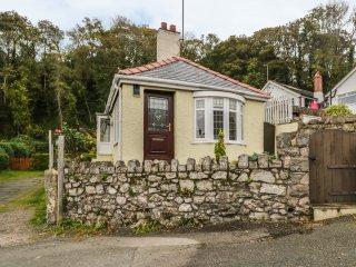 LLIDIART CERRIG, romantic, en-suite bedroom, pet friendly, in Dyserth, Ref. 9653