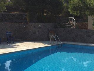 The Retreat Portes Aegina