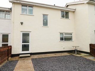 122 MARL DRIVE, open plan, family friendly, gardens, in Conwy, Ref. 948106