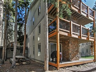NEW! 2BR Breckenridge Condo w/Views - Walk to Lift