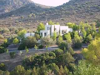 The Retreat Portes Aegina