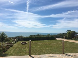 Charming Bungalow with stunning sea views over the English Channel.