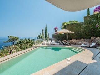 Beautiful Villa with Sea View