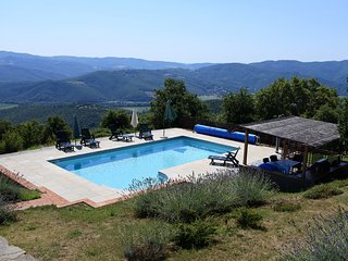 Country House Villa with Pool and Panoramic Views - Niccone Valley