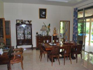 Très belle VILLA Thaï style à Phuket, luxe et confort. Une surface de 300 m² dan