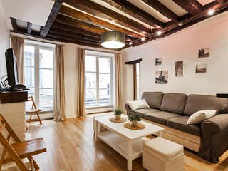 PRIVATE APARTMENT 2 ROOMS  ST JACQUES NOTRE DAME DE PARIS