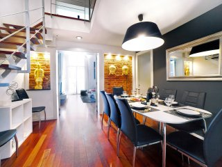 Exclusive duplex in Plaza Calanya at a walking distance from las Ramblas 1