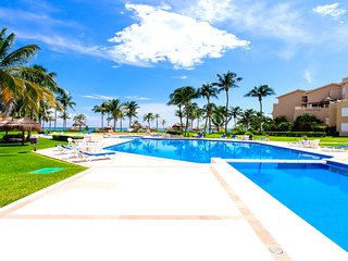 Riviera Maya Haciendas, Casa Las Palmas - Swimming Pool, Tennis, BEACH, 6 Guests