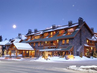Fantastic Banff Getaway with Incredible Hot Pools Access- Sleeps 6!!