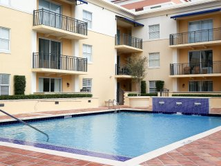 Two-Bedroom Coral Gables Apartment Suite LicW505
