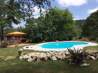 Apartment with 2 bedrooms in Mauzac, with pool access, enclosed garden and WiFi