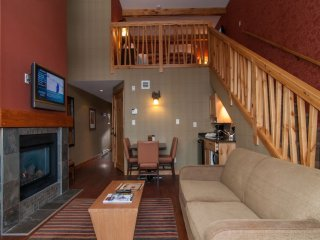 TRUE Mountain Chalet-Inspired Condo with Access to Grotto Hot Pools!
