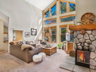 Snowcreek V 874 - Luxury Mammoth Townhome