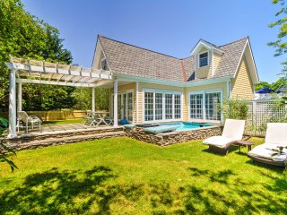 Romantic Shelter Island Cottage w/2 Pools & a Pond