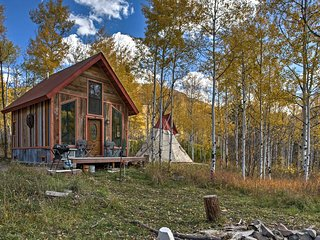 NEW! Marble Cabin w/ Teepee & Mtn Views!