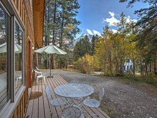 NEW! 1BR+Loft 'Marble Hideaway Cabin' w/Mtn Views!
