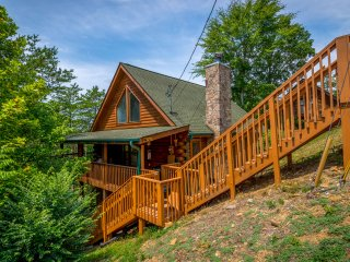 NEW! 2BR Sevierville Cabin w/ Deck & Hot Tub!
