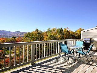 NEW!3BR Bartlett Condo w/ Mtn Views near Ski Areas