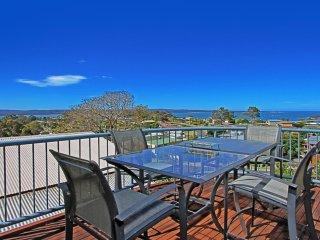 78 Vista Avenue Views across the Bay
