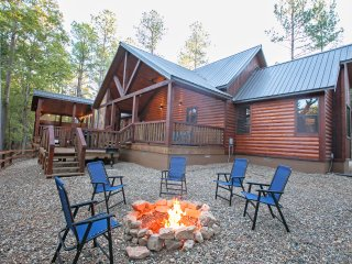 River Song Cabin (1+ Bedrooms, Creek Overlook, Private Hot Tub, Upscale)