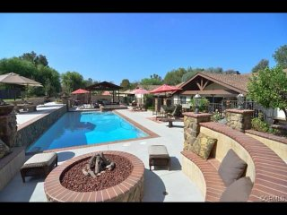 Stunning Estate, Private Oasis