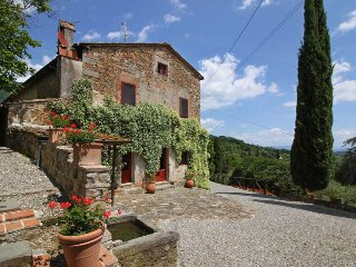 Farmhouse with Tennis Court and Private Pool - Casa Francesco