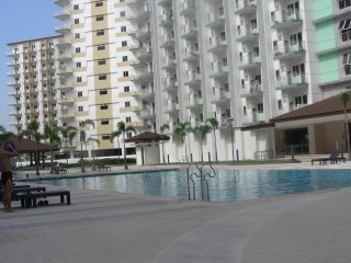 Comfortable Condo near Airport,Aircond.,Kitchen,Balcony,Pool,free WLAN-cable TV