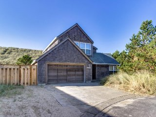 Modern dog-friendly getaway with a private hot tub - steps from the beach!