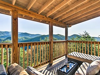 'A Grand View' 5BR Pigeon Forge Cabin w/ Hot Tub!