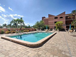 Resort-Style Condo w/Pool- 19 Miles to Fort Myers!