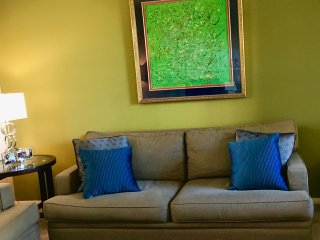 2 BR 2 Bath Condo with Pool and clubhouse and business center