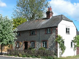 Manor Cottage    H132