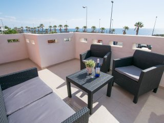 Large Penthouse 60m from Beach & Pool