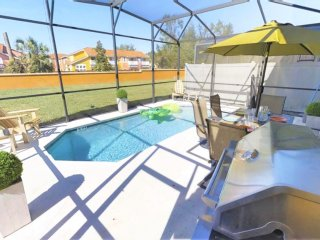 ACO FAMILY – 4 bd TOWNHOME WITH POOL (1515)