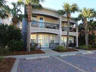 Miramar Villas 113, 3BR/3BA spacious townhouse! Steps to the Beach!