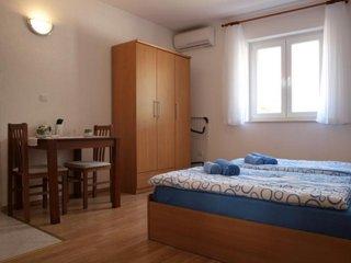 Rooms Barbara & Petar - Studio Apartment with Sea View