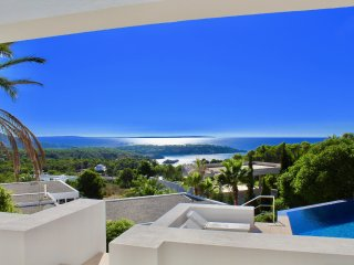 LUXURY VILLA ES CUBELLS WITH SEA VIEW