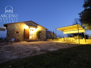 Villa Casanova San Gusme Luxury Chianti Vacation Concierge & Pool