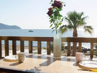 Apartment Balcony,sea view,wifi (Long term rental