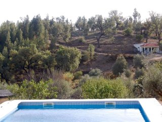 Pequena Graca Lovely 2 bed cottage with swimming pool, relaxing location