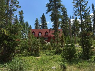 3000 SqFt., 42 Acres, Vacation Rent or Lease, Stream, Fireplaces, Deck, Firepit