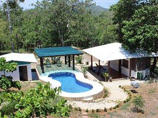Casa Bambu, 4 Bedrooms house with pool